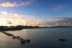 圣乔治` s -在海湾和港口的日出 免版税库存图片