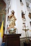 圣伊尔德丰索教会或阴险的人教会Iglesia de圣Idelfonso,托莱多,西班牙内部  免版税库存照片