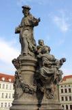 圣伊沃雕象在布拉格 库存图片