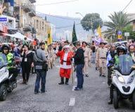 圣伊莱亚斯主教学校的学生参加圣诞节pa 库存图片