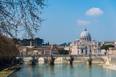 圣伯多禄台伯河河在罗马意大利 图库摄影