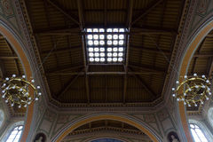 圣伯多禄和圣保罗罗马天主教堂的内部。 免版税库存照片