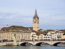 圣伯多禄教会和大教堂桥梁 库存图片