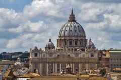 圣伯多禄的圆顶在罗马,梵蒂冈 免版税图库摄影