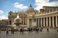 圣伯多禄的大教堂在罗马 免版税库存图片