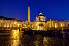 圣伯多禄的方形的夜 免版税库存照片
