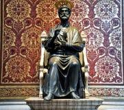 圣伯多禄雕象。梵蒂冈。 免版税库存照片