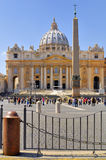 圣伯多禄` S大教堂,罗马, ITALY-APRIL 13 免版税库存照片