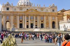 圣伯多禄` S大教堂,罗马, ITALY-APRIL 13 免版税图库摄影
