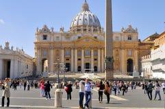 圣伯多禄` S大教堂,罗马, ITALY-APRIL 13 免版税库存图片