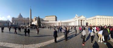 圣伯多禄` s正方形,广场,人群,城市,地标 免版税库存图片
