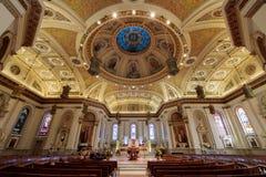 圣何塞,加利福尼亚- 2017年12月27日:圣约瑟夫教会大教堂大教堂内部  免版税库存照片