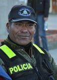 从圣佩德罗火山de Tikina镇的一名警察  库存图片