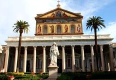 圣保罗在墙壁外,罗马,意大利大教堂  库存图片