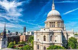 圣保罗大教堂圆顶,伦敦 免版税图库摄影