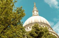 圣保罗大教堂圆顶,伦敦 免版税库存照片