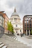 圣保罗大教堂在伦敦英国 免版税库存图片