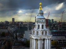 圣保罗大教堂在伦敦英国 库存图片
