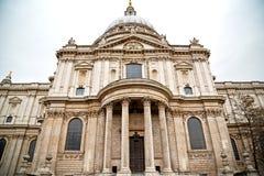 圣保罗大教堂在伦敦 库存照片
