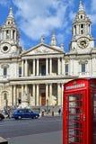 圣保罗大教堂在伦敦 库存图片