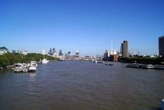 圣保罗大教堂, 30圣玛丽轴,塔42,在泰晤士河的黑人男修道士桥梁在伦敦,英国 免版税库存图片