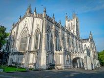 圣保罗座堂是为它的哥特式建筑背景说明的英国国教大教堂在加尔各答加尔各答,西孟加拉邦 免版税库存照片