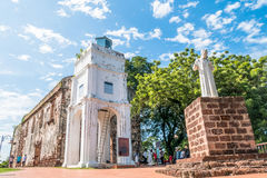 圣保罗有圣法兰西斯泽维尔雕象的` s教会在马六甲 库存照片