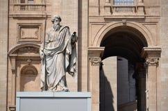 圣保罗雕象在梵蒂冈 免版税库存图片