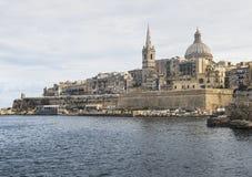 圣保罗` s大教堂在Marsamxetto港口在马耳他的瓦莱塔 免版税库存照片