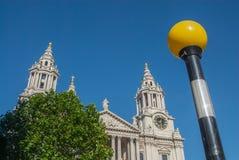 圣保罗` s大教堂,伦敦,英国 免版税库存照片