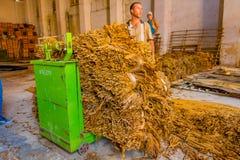 圣克拉拉,古巴- 2015年9月08日:手工制造 库存图片