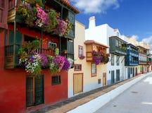 圣克鲁斯de拉帕尔马岛殖民地房子门面 免版税库存图片