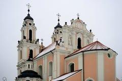 圣凯瑟琳教会在冬时的 库存图片