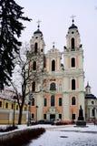 圣凯瑟琳教会在冬时的 免版税库存图片