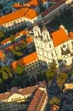 圣凯瑟琳教会鸟瞰图在维尔纽斯,立陶宛 免版税库存图片