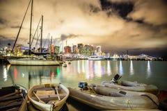 圣地亚哥加利福尼亚与小船和地平线的夜场面 免版税库存图片