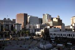 圣地亚哥街市在与巨大大气的晴天 库存图片