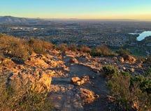 圣地亚哥风景城市视图从Cowles山山顶的  免版税库存图片