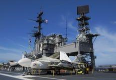 圣地亚哥,加利福尼亚,美国- 2016年3月13日:USS中途在圣地亚哥港口,美国 图库摄影