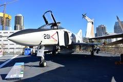 圣地亚哥,加利福尼亚-美国- 12月04,2016 -航空器F/A - 18大黄蜂 免版税库存照片