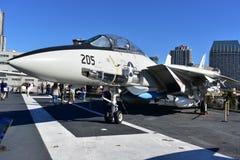 圣地亚哥,加利福尼亚-美国- 12月04,2016 - F-14雄猫战斗机在USS博物馆 免版税库存图片