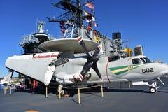 圣地亚哥,加利福尼亚-美国- 12月04,2016 - Hawkeye航空器USS中途博物馆 免版税图库摄影