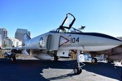 圣地亚哥,加利福尼亚-美国- 12月04,2016 - USS中途航空器 免版税库存照片