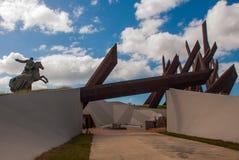 圣地亚哥,古巴:在圣地亚哥的安东尼奥马塞奥纪念碑 马塞奥将军是一位著名游击队员独立领导 雕塑 免版税图库摄影