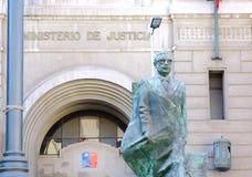 圣地亚哥,智利- 2015年6月15日:对萨尔瓦多・阿连德的纪念碑 库存照片