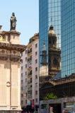 圣地亚哥Iglesia大教堂反射 免版税库存照片