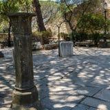 圣地豪尔赫古老水井里面城堡在里斯本葡萄牙 库存照片