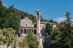 圣基里诺连斗帽女大衣男修道士教会,圣马力诺 免版税库存照片
