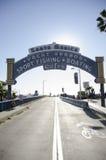 圣塔蒙尼卡海滩码头标志 免版税图库摄影