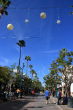 圣塔蒙尼卡第三街道散步  免版税库存照片